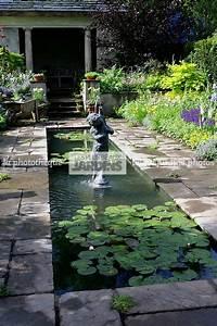 la phototheque les plus beaux jardins jardin bassin With photos de bassins de jardin 11 installation pergola et claustra de jardin