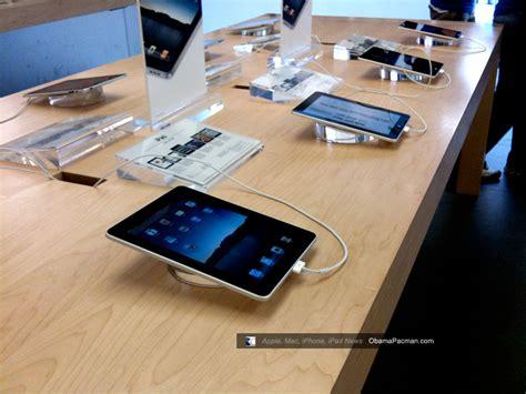 Reston Apple Store, Ipad Launch Day Line / Queue Photos
