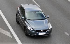 Avis Volvo V40 : test volvo v40 2 0 d3 150 cv 15 15 avis 15 5 20 de moyenne fiabilit consommation ~ Maxctalentgroup.com Avis de Voitures