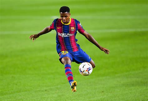 Four Barcelona players agree contract renewals & Fati sets ...