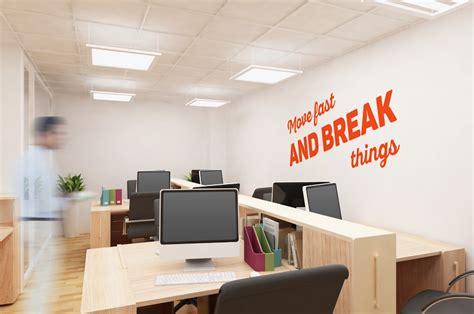 stickers move fast  break  pour bureau