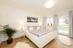 beispiele modernes wohnen schlafzimmer boxspringbett leder schlafzimmer gemütlich modern rheumri