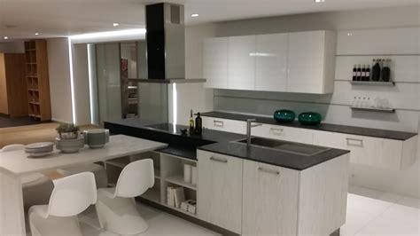 cuisine blanc bois awesome cuisine noir plan de travail bois blanc images