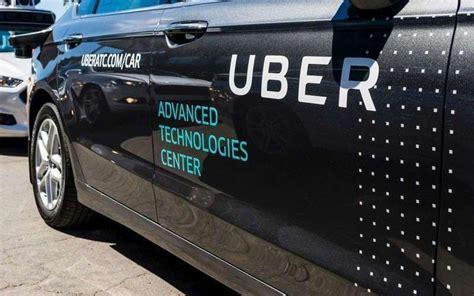 Une Voiture Autonome Uber Tue Une Piétonne
