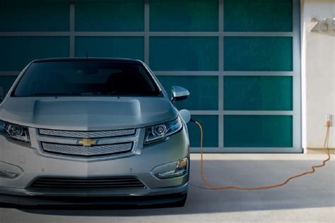 2014 Volt Range by Chevy Cutting Price Of The 2014 Volt Electric Car By