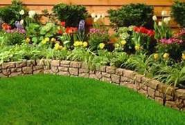33 Beautiful Flower Beds Adding Bright Centerpieces To Yard 40 Beautiful And Easy DIY Flower Beds To Brighten Your Outdoors DIY Flower Bed Designs Raised Flower Beds Raised Beds Flower Bed Designs Raised Flower Bed Design Ideas