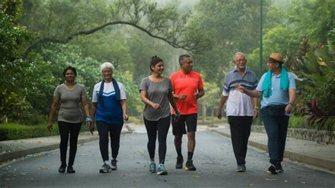 Viva: The benefits of joining a walking group | SBS Radio