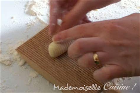 comment cuisiner des gnocchis gnocchis recette de cuisine mademoiselle cuisine