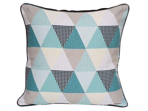 coussin  cm triangle coloris bleu vente de coussin