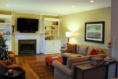How To Maximize Seating In A Family Room For Tv Viewing Krylon Transitions Kitchen Cabinet Paint Kit Hgtv Small Makeovers Contemporary Handles Rustic Faucet Yellow Subway Tile Backsplash Designs For Galley Kitchens And Gray Ideas Sofra Mediterranean