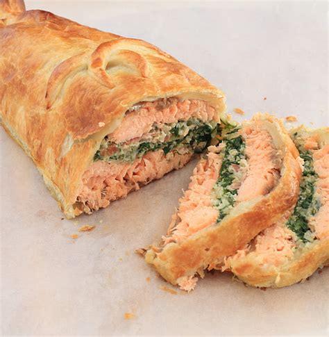 recette anglaise saumon wellington en croute feuillet 233 e