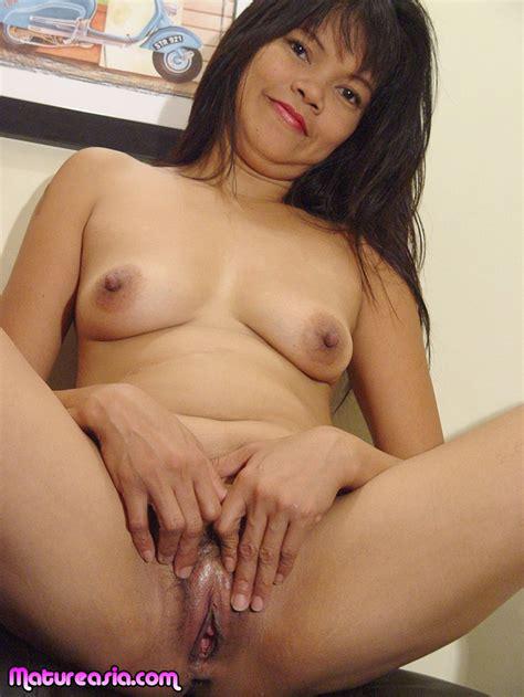 cute Filipino Asian MILF sex photos