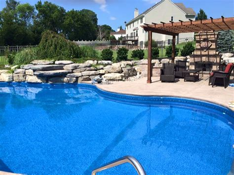 Best Pool Services Near Me