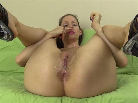 Smell My Asshole And Pussy With Lots Of Spit And Twerking