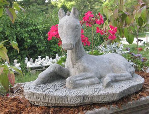cement statue large concrete horse statue