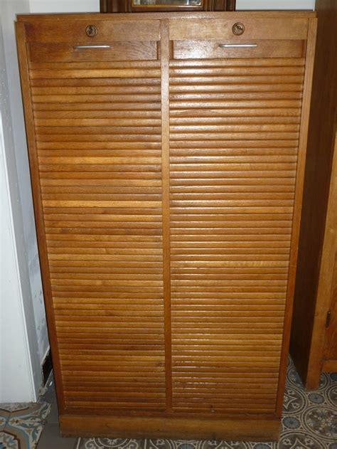 vieux bureau bois classeur à deux volets roulants meuble de bureau des
