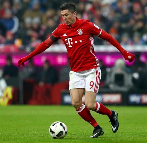 Robert Lewandowski Vom Fc Bayern Berater Plaudert