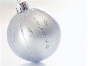 white big ornaments wallpaper