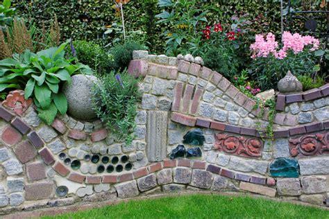 Alte Steinmauern Im Garten