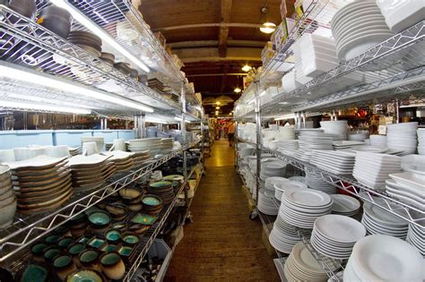 Kitchen Furniture Stores Toronto by Best Kitchen Stores In Nyc For Cooking Gear And Restaurant