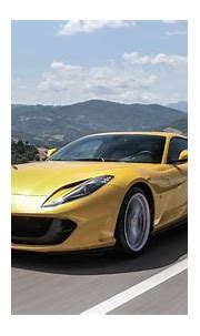Ferrari 812 Superfast Coupe (2017 - ) review | Auto Trader UK