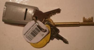 bureau des objets trouv駸 trouvé trousseau de clé perdus fr retrouver une personne objets trouves objets