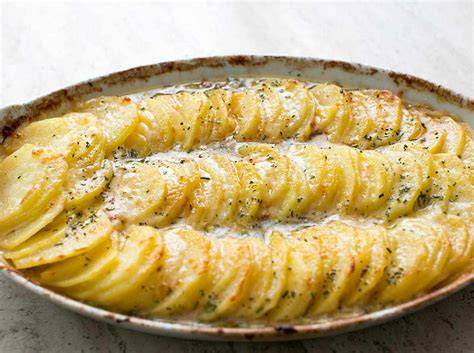 potato revipes scalloped potatoes with caramelized onions and gruyere recipe simplyrecipes com