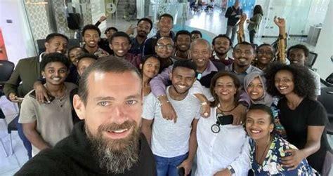 Dorsey's tweet follows his tour of africa—and it's clear he liked what he saw. CEO do Twitter anuncia que irá se mudar para a África para impulsionar as criptomoedas - Money Times