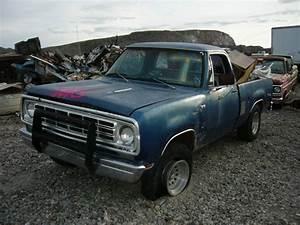 1976 Dodge 2   76dt1696