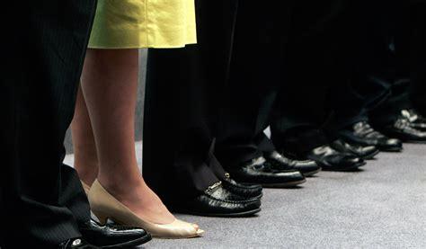 researchers  women  succeed   workplace