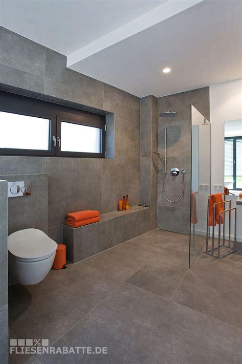 Badezimmer Fliesen Größe by Ein Kundenprojekt Mit Fliesen In Betonoptik Mit Einem