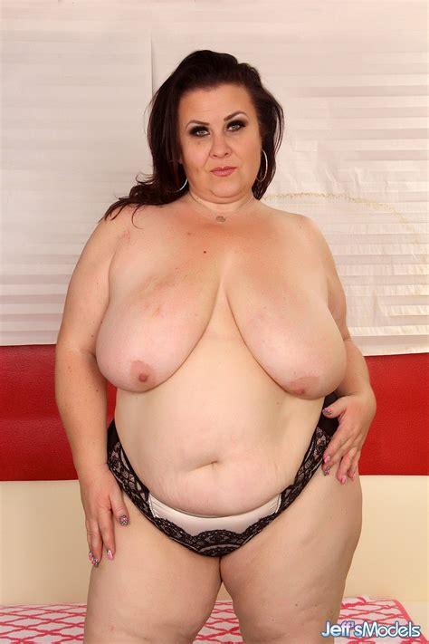 Mature Bbw Lady Lynn Looks Hot Nude Big Tits Snapshots
