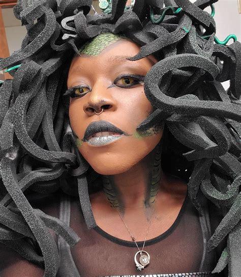 My first DIY costume. I was Medusa : pics