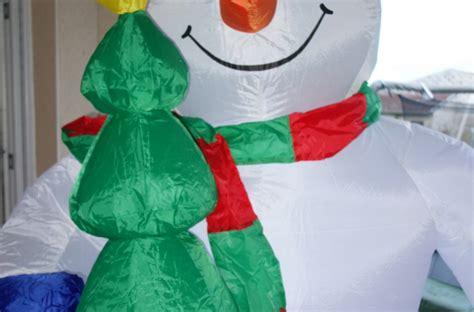 si鑒e auto gonflable avis et test sur le bonhomme de neige auto gonflable de 240cm oneconcept mr paradoxe temporel