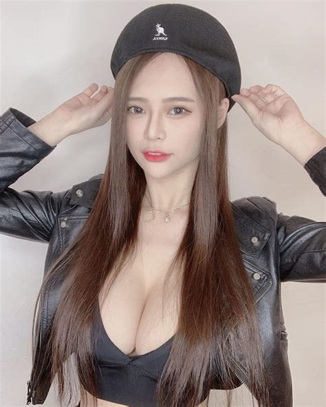 Huge tits Taiwanese hottie like a Dairy cow: Summer (謝桑墨 ...