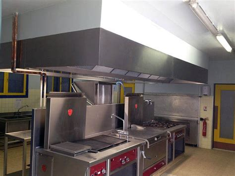 installation hotte cuisine professionnelle