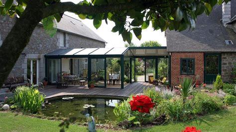 veranda extension cuisine espace lumière et confort les vérandas ont la cote