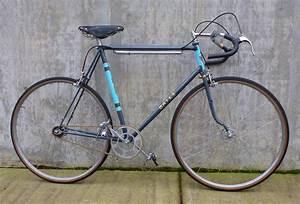 1947 Bates B.A.R. vintage bike on display at Classic Cycle ...  Bates