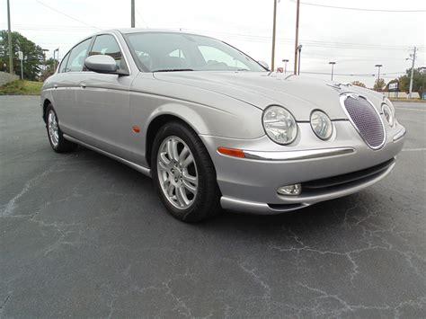 Jaguar S-type Photos