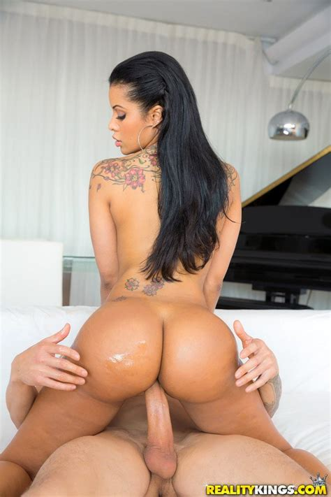 Sexy Latina With Huge Ass Mary Jean Getting Fucked Photos