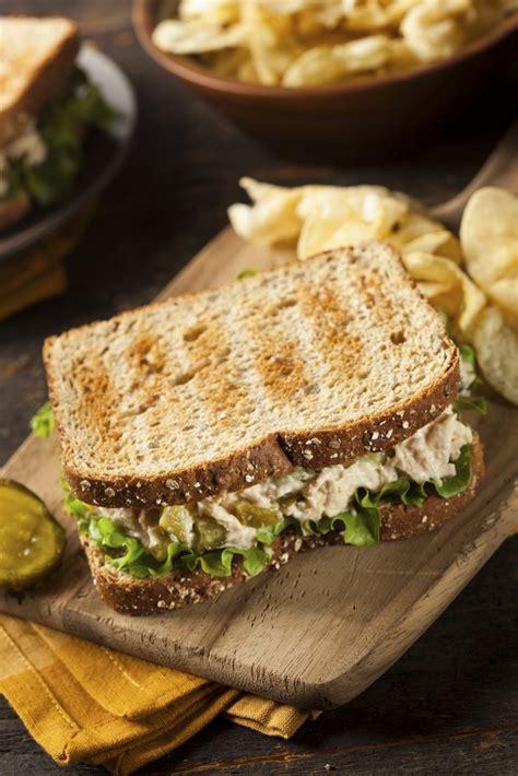 calories    tuna sandwich  wheat