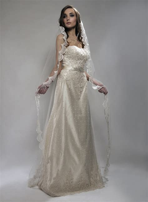 Long Bridal Veils From Fingertip Veils To Dramatic