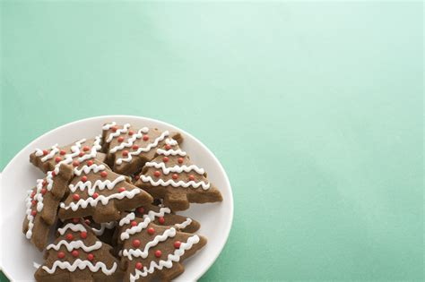 Free Cookie Background Images by Photo Of Plate Of Crunchy Gingerbread Cookies