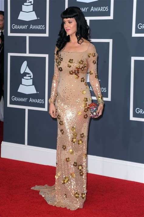 Photos of all the Celebs and Dresses on the Red Carpet at ...