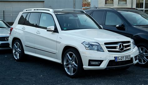 This is an audio version of the wikipedia article: Datei:Mercedes-Benz GLK 220 CDI 4MATIC BlueEFFICIENCY Sport-Paket AMG (X 204) - Frontansicht, 25 ...