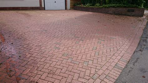 driveway and patio cleaningcleaning service