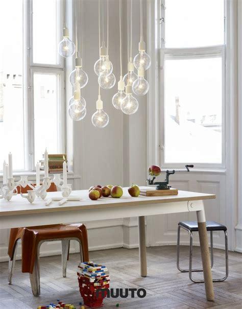 table a manger salle a manger interieur minimaliste contemporain luminaire suspendu ideeco