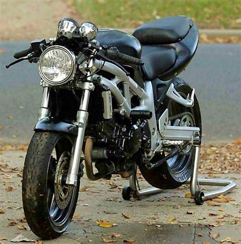 Suzuki Sv650 Cafe Racer by Suzuki Sv650 Ala Cafe Racer Cars Motorcycles