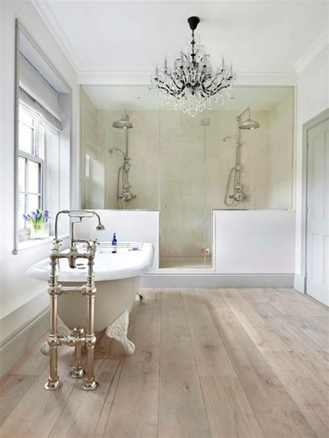 Farmhouse Bathroom Design Ideas, Remodels & Photos