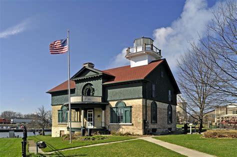 guiding lights michigan citys historic lighthouses indiana landmarks